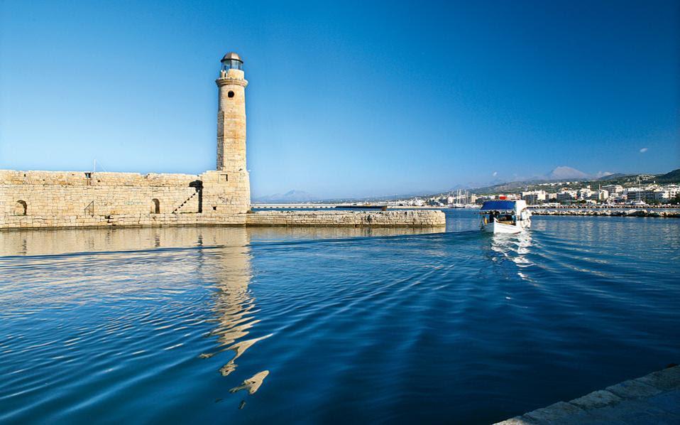 Κατηφορίζουμε στην Κρήτη για άλλη μία γεύση καρναβαλιού και... όχι μόνο. (Φωτογραφία: Εφη Παρούτσα)