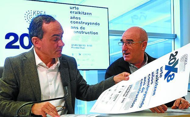 Una nedición de efemeride. Páez y Altuna con los carteles de Krea para su décima edición. / F. DE LA HERA