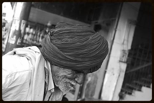 Dam Bhar Ko Saans Le Le, Ye Zindagi Ke Mele...Duniya Men Kam Na Honge Afasos Ham Na Honge by firoze shakir photographerno1