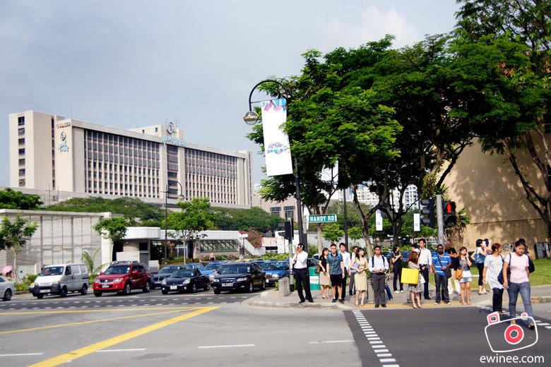 AP-2010-DAY-1-SINGAPORE-YOYO-orchard