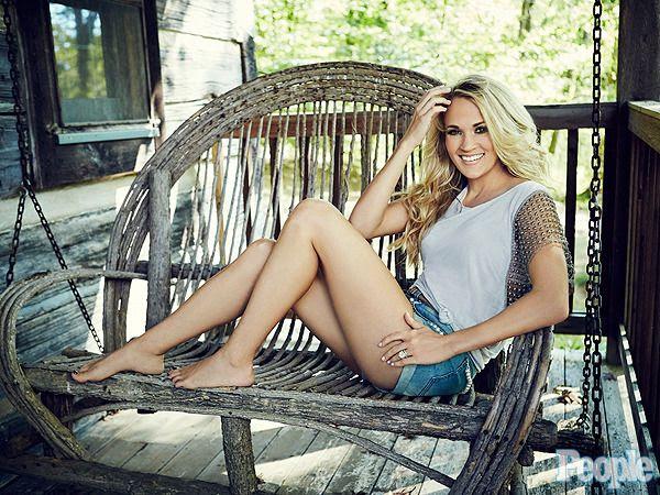 Carrie Underwood : PEOPLE (October 26, 2015) photo carrie-underwood-01-600x450.jpg