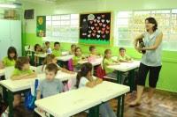 Lei que obriga aulas de religião nas escolas públicas causa polêmica em audiência