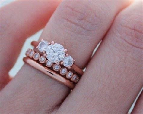 Can I wear a mismatched engagement ring and wedding band?