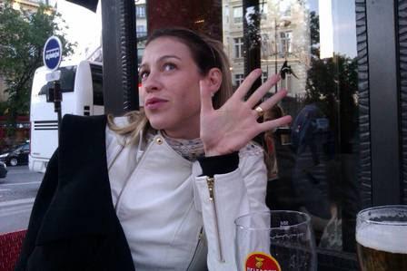 Luana Piovani responde pergunta da amiga sobre posar nua