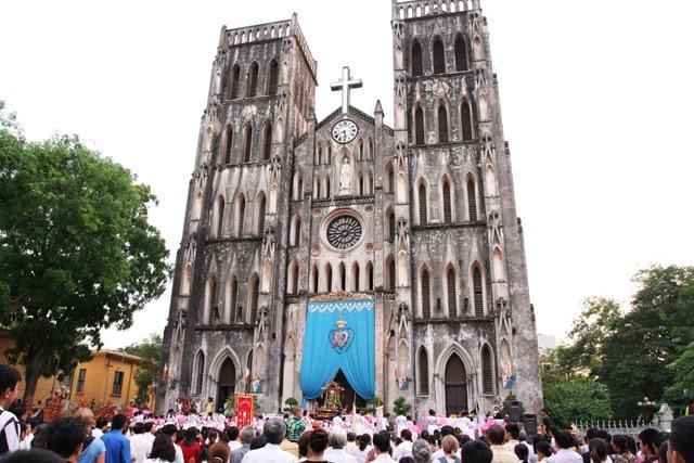 Kết quả hình ảnh cho nhà thờ chính tòa hà nội