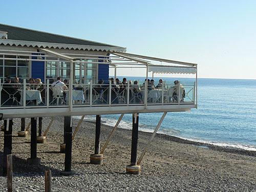 terrasse sur la mer.jpg