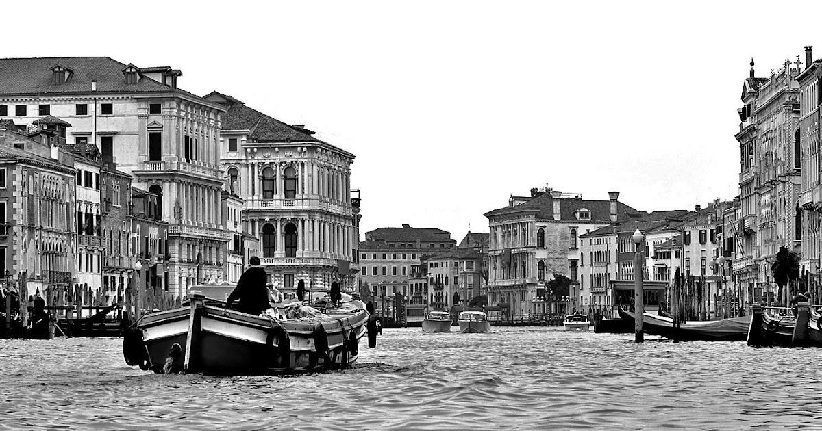 a0002: Venice in black / white