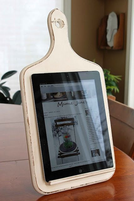 Mamie Janes:  DIY Kitchen Tablet Holder - Great for Recipes on the Spot ... Click to See EASY directions... Brilliant !