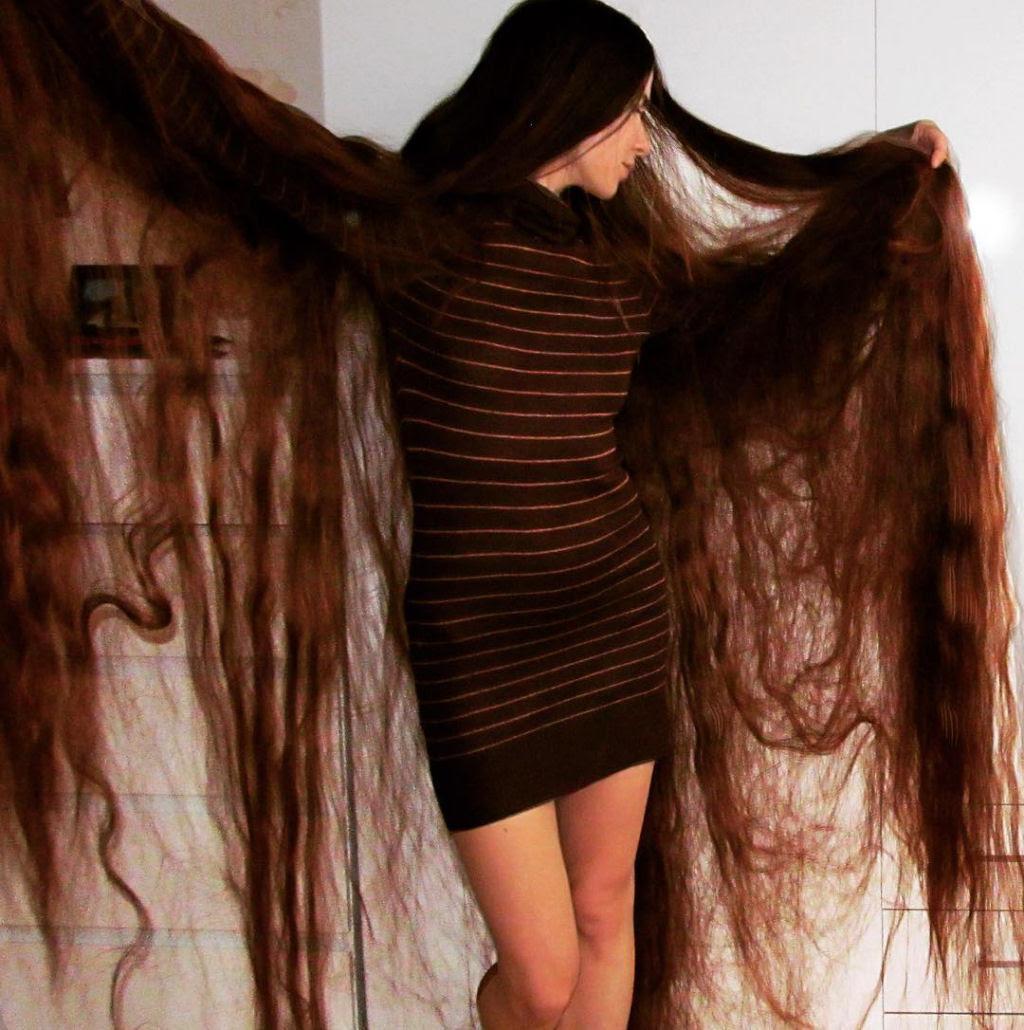Queria ser a Rapunzel da vida real e não cortou seu cabelo em 20 anos 02