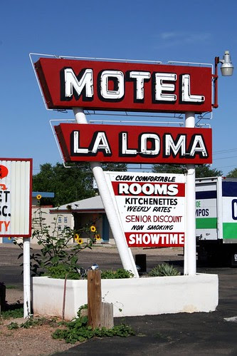 la loma motel neon sign