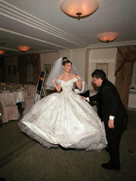 Thalia   La Reina; Thalia!   Wedding dresses, Wedding, Thalia