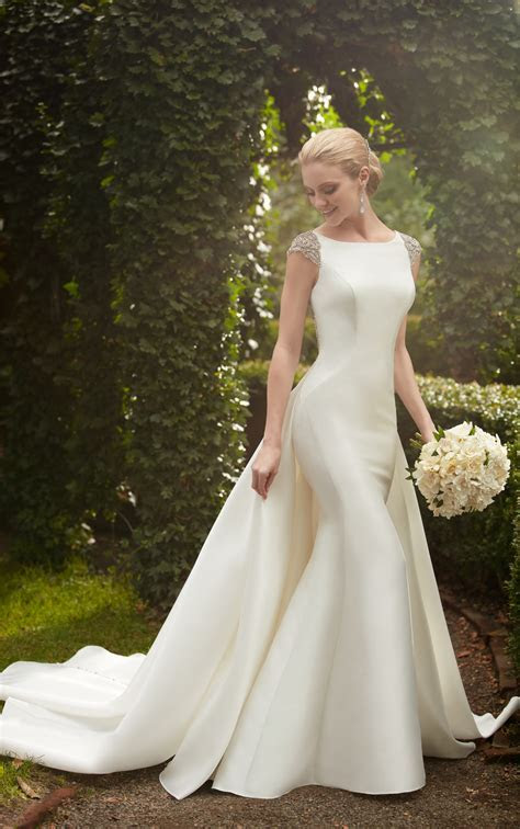 Bridal Gowns   Wedding Dress with Detachable Train