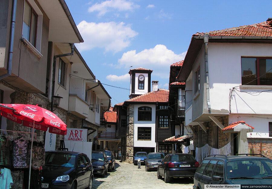 Башенка с часами в Несебре (Болгария)