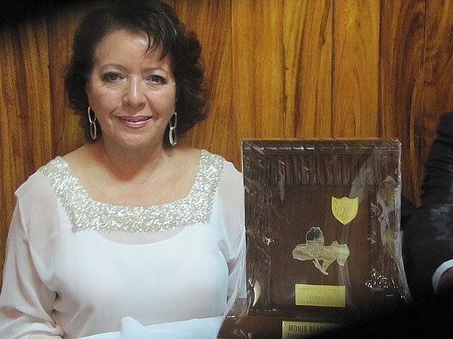 Elizabeth  de Guatemala Monja Blanca APG 2012