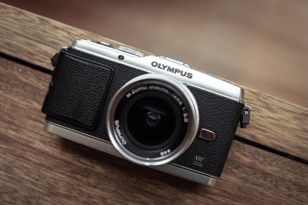 *Olympus E-P3
