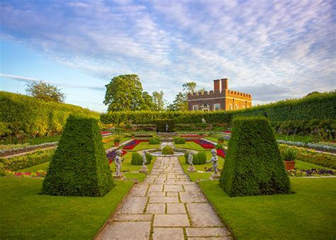 Wedding venues with the best outdoor space and scenery