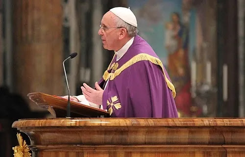Pope Francis preaches during a Penitential service at St. Peter's Basilica, March 28, 2014. Credit: Lauren Cater / CNA.