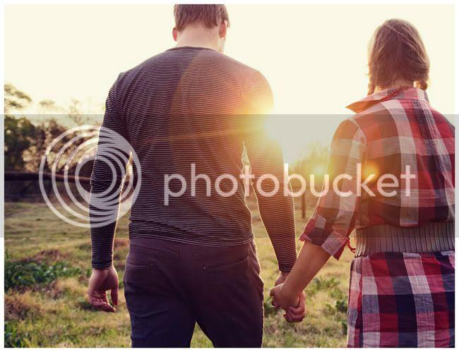 http://i892.photobucket.com/albums/ac125/lovemademedoit/love%20makes%20me%20do%20it/Love%20Shoot/vintage_spring_love006.jpg?t=1286802552