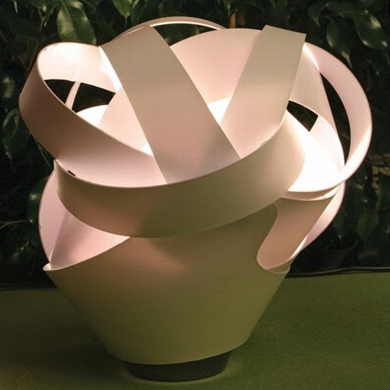 The Làszlò Table Lamp: Unconventional, pretty and intimate ...