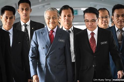 Umno jumpa Tun M sokong bentuk kerajaan PH 2.0?