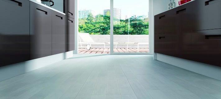 C mo decorar la casa suelos laminados para banos y cocinas - Estores enrollables bricor ...