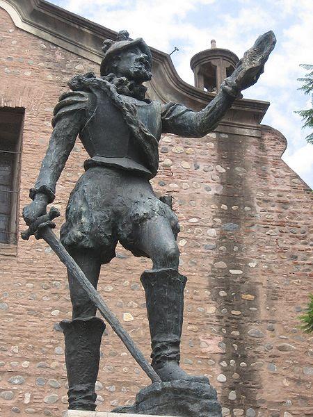 File:Estatua de Cabrera, detalle.JPG