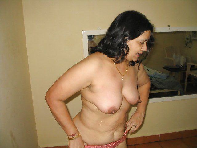 Indian desi aged aunty nude sex. Porn Images.
