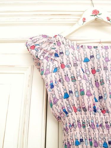 Rabbit print dress - sleeve