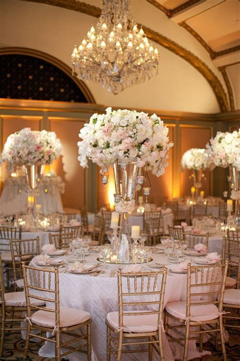 Tasteful and Elegant Wedding Reception Décor