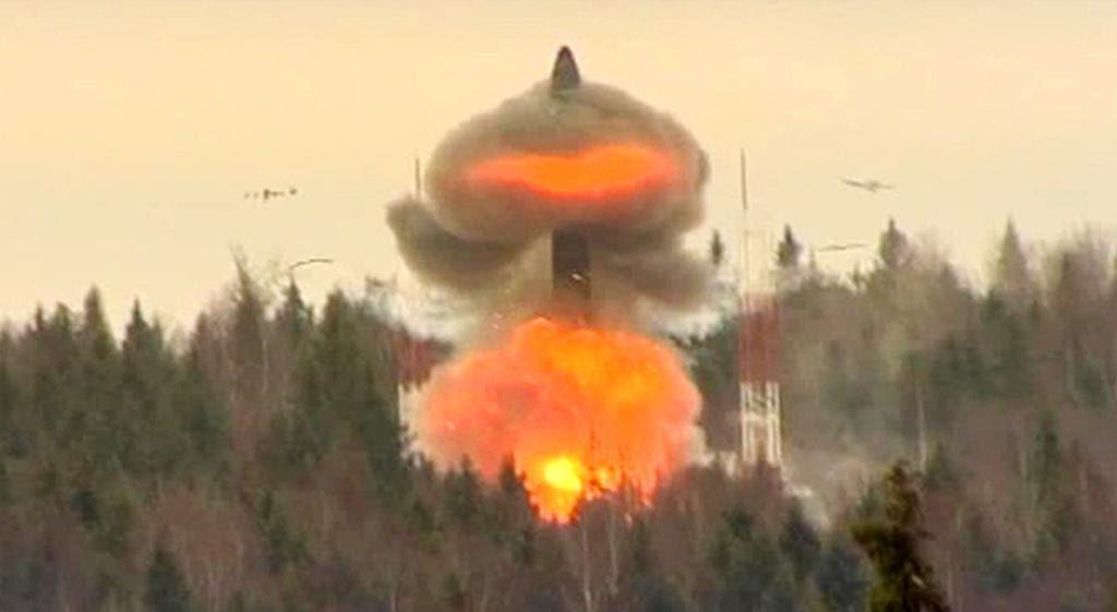 El Topol-M puede llevar hasta seis ojivas nucleares y evadir EE.UU. escudo antimisiles.