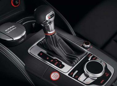 Lei pode criar CNH específica para motorista com carro automático