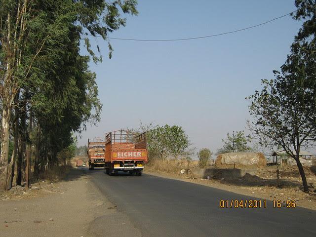Road to Dajikaka Gadgil Developers' Anant Srishti at Kanhe, near Talegaon, Pune