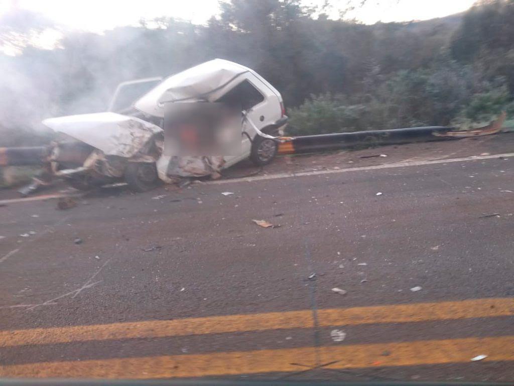Acidente envolvendo quatro veículos deixa duas pessoas mortas entre Almirante Tamandaré e Sarandi