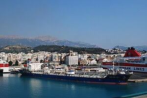 Français : Le port de Patras en Grèce en août ...