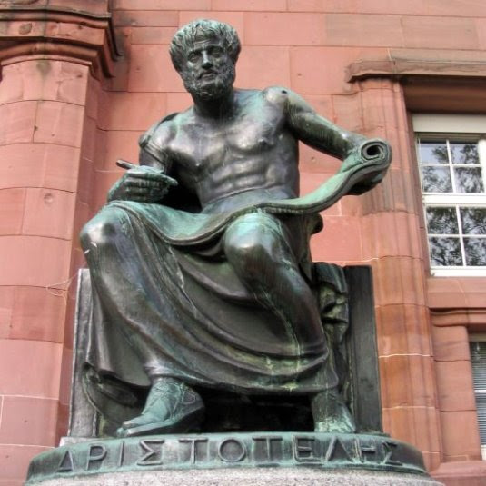 Estátua de Aristótoles