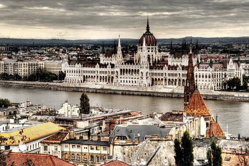 View of the Hungary parliament. Budapest. Vista del parlamento de Hungría
