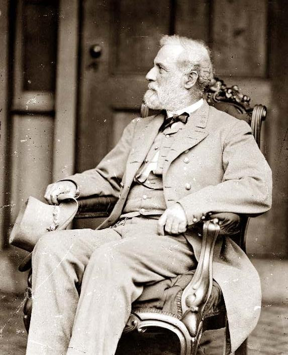 http://www.sonofthesouth.net/leefoundation/robert-e-lee-pictures/General-Robert-e-lee.jpg