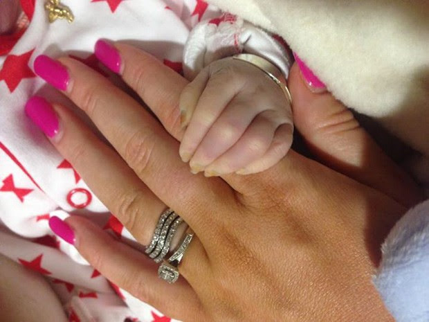 Pais tomaram a decisão de doar órgãos do bebê quando souberam que ele não sobreviveria (Foto: Reprodução/Facebook/NHS Organ Donation Campaign)