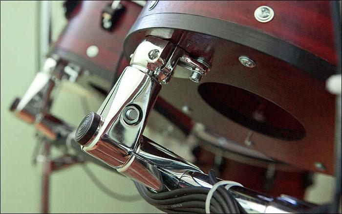 Крепление барабанов к раме