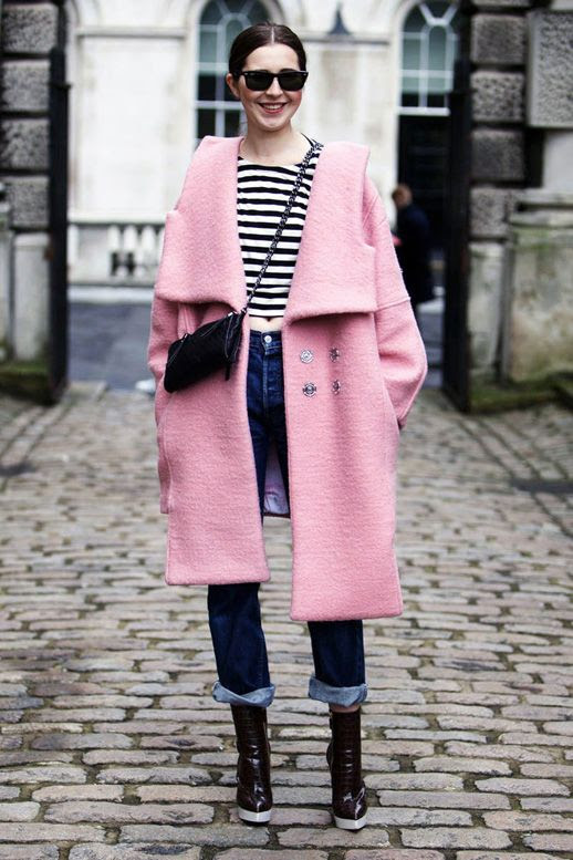 LE FASHION BLOG LFW LONDON FASHION WEEK FW 2014 STREET STYLE PINK AND STRIPES VIA ELLE STREET CHIC FLAT TOP SQUARE SUNGLASSES OVERSIZED PINK WOOK COAT STRIPED CROP TOP TEE DARK WASH BOYFRIEND JEANS CROSSBODY CHAIN BAG STELLA MCCARTNEY BROWN CROC WHITE PLATFORM BOOTS MIDRIFF photo LEFASHIONBLOGLFWSTREETSTYLEPINKANDSTRIPESVIAELLESTREETCHIC.jpg
