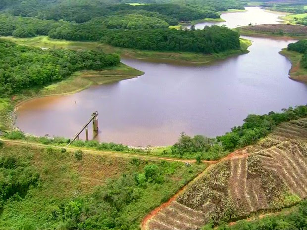 Barragem de Botafogo, em Igarassu (Foto: Reprodução/ TV Globo)