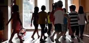 Trabajo de  padres y centros educativos esencial para salud de niños. Archivo EFE