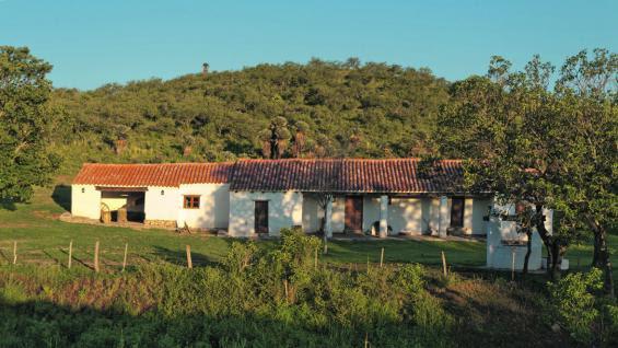 Semana de Mayo en Córdoba. El Camino Real comprende cerca de 190 kilómetros y 16 postas. El tramo Villa Tulumba-San Pedro Norte abarca 50 kilómetros y cinco postas.