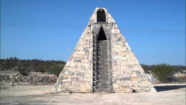 POHONPOKER - Kisah Petani Asal Meksiko yang Membangun