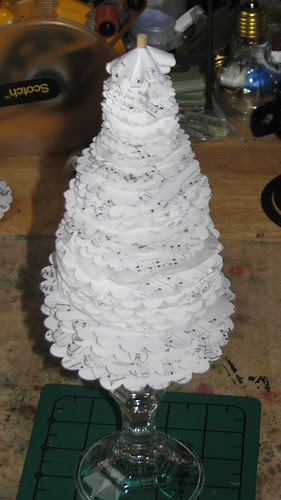 25 Days of Hand Crafted Gifts & Orn. - Vint Paper Christmas Tree 014