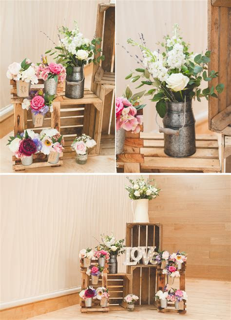 How To Create This Rustic Table Plan At Your Wedding
