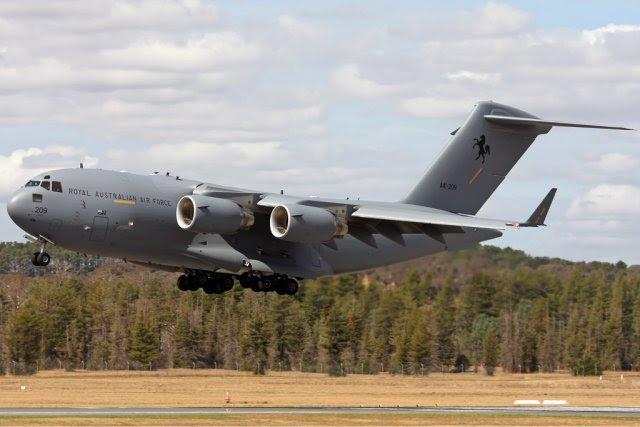 Ministro de Defensa australiano senador David Johnston ha insinuado que su gobierno está considerando la adquisición de Airbus Defensa y Espacio KC-30 / A330 transportes cisterna multipropósito adicionales (MRTT) y Boeing C-17 transportes estratégicos como parte de un Libro Blanco de la Defensa actualmente en desarrollo, de acuerdo con una declaración de Flightglobal.