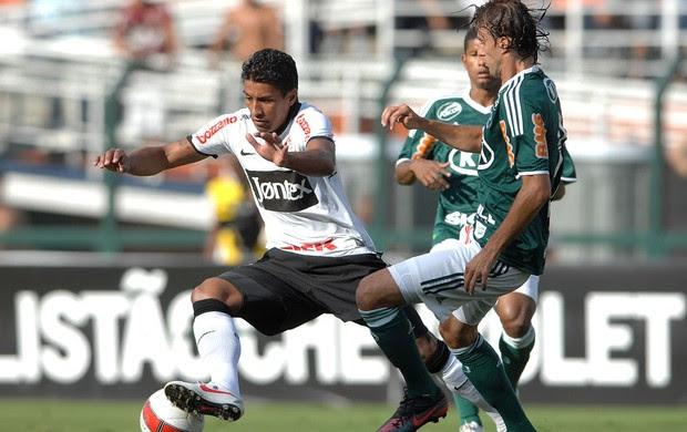 Paulinho Corinthians Henrique Palmeiras (Foto: Mauro Horita / Ag. Estado)