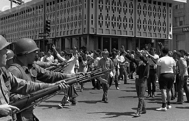 http://isiria.files.wordpress.com/2009/03/national-guard-confronting-demonstrators.jpg
