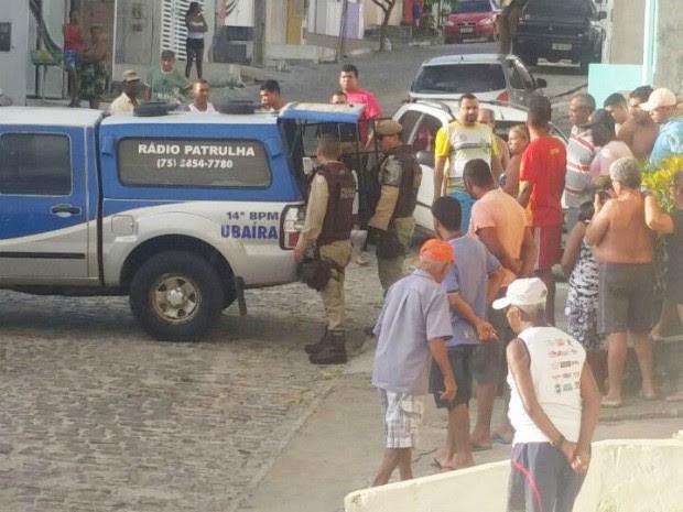Suspeito do crime foi preso pouco após o crime (Foto: Marcus Augusto/Site Voz da Bahia)